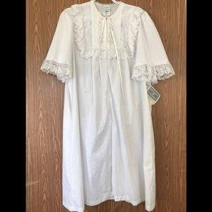 NWT Vintage Gillian O'Malley White Lace Robe SizeL